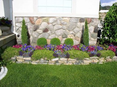 Incredible Flower Bed Design Ideas For Your Small Front Landscaping37