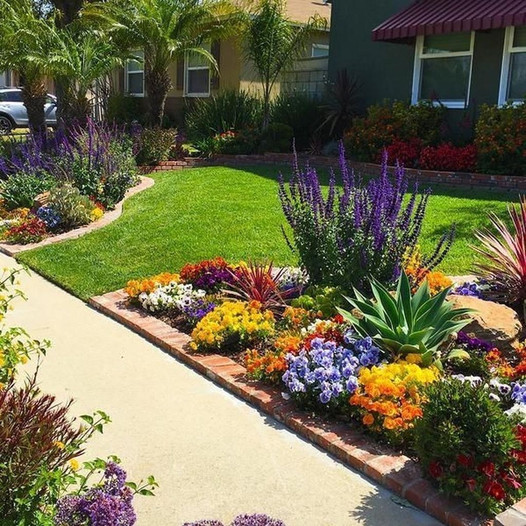 Incredible Flower Bed Design Ideas For Your Small Front Landscaping42