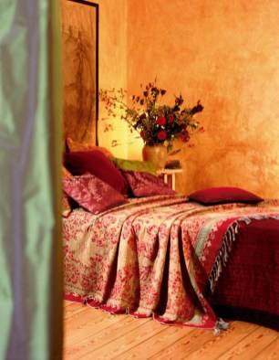 Tuscan Style Bedroom Decorative Ideas That Make Your Sleep Warm07