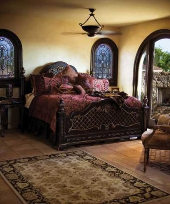 Tuscan Style Bedroom Decorative Ideas That Make Your Sleep Warm19