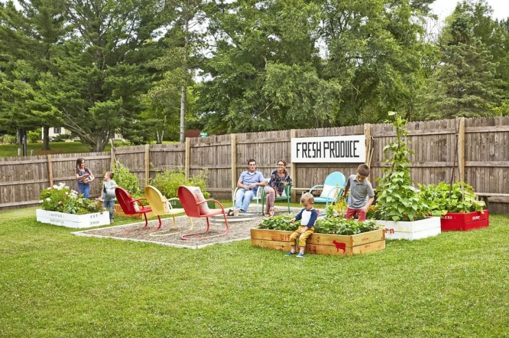 Comfortable Backyard Decoration Ideas For Your Summer24