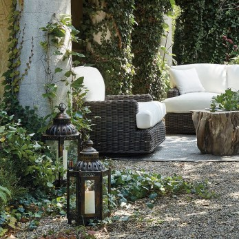 Comfortable Backyard Decoration Ideas For Your Summer27