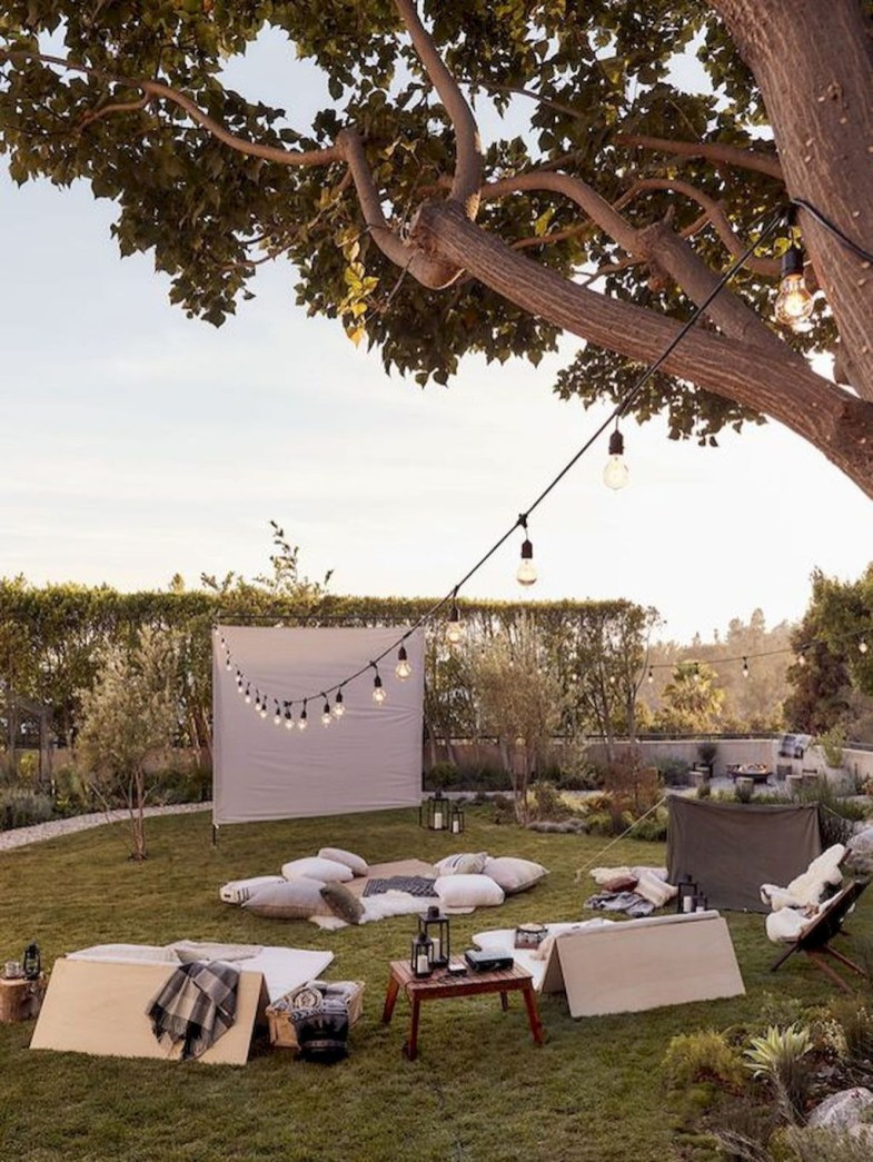 Comfortable Backyard Decoration Ideas For Your Summer29