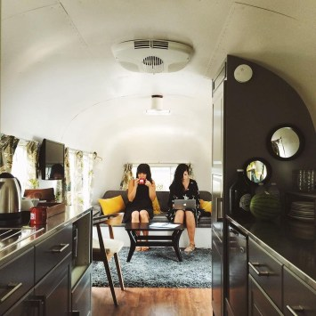 Enchanting Airstream Rv Design And Decoration Ideas For Your Travel Comfort05