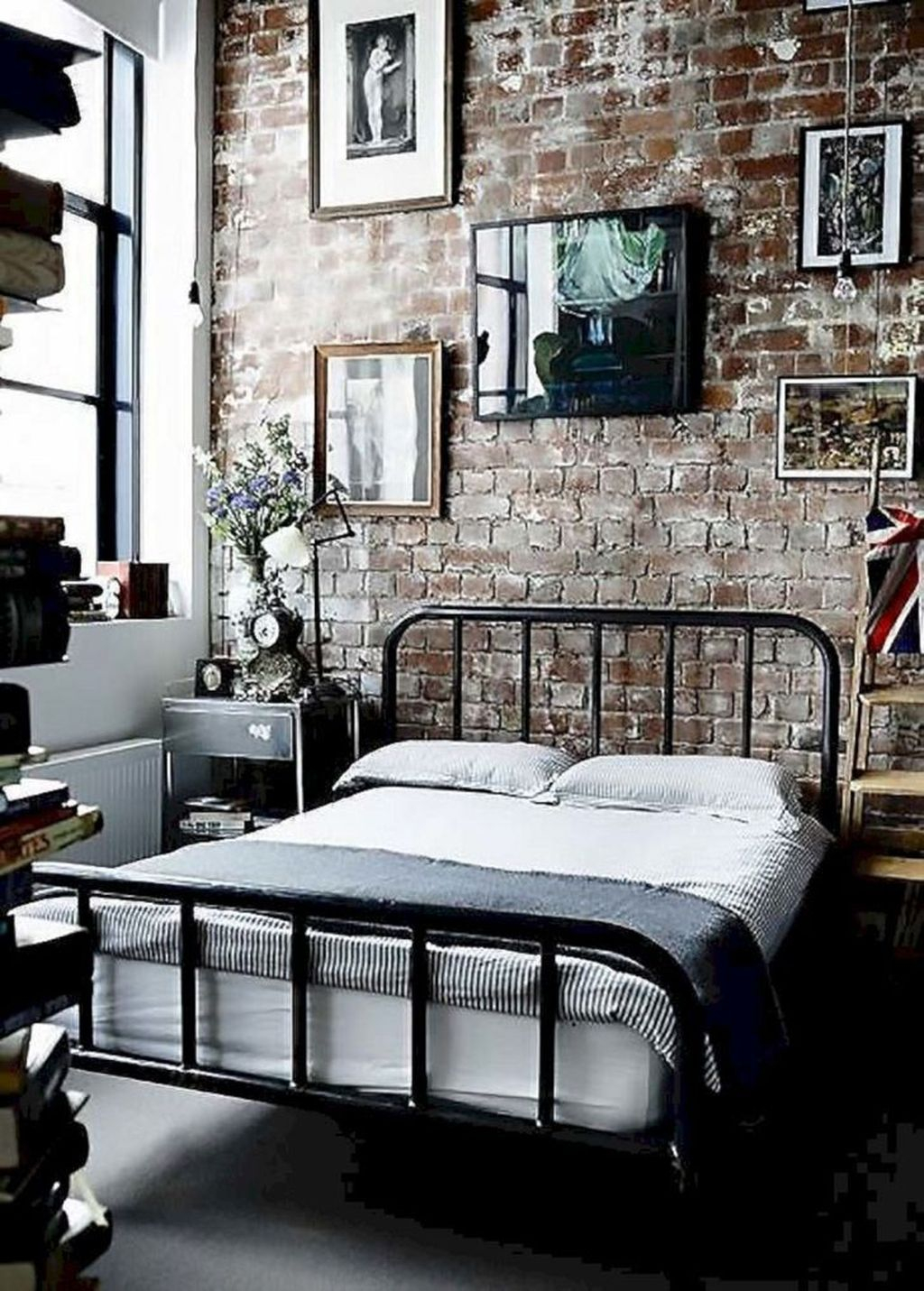 Awesome Industrial Style Bedroom Design Ideas40