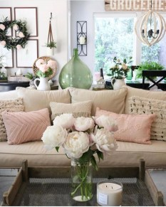 Beautiful Summer Living Room Decor Pieces To Enhance Your Home03