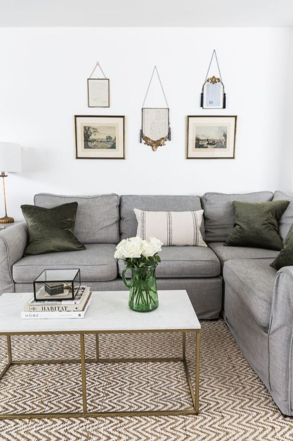 Beautiful Summer Living Room Decor Pieces To Enhance Your Home36