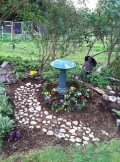 Bird Bath Design Ideas For Your Backyard Inspiration11