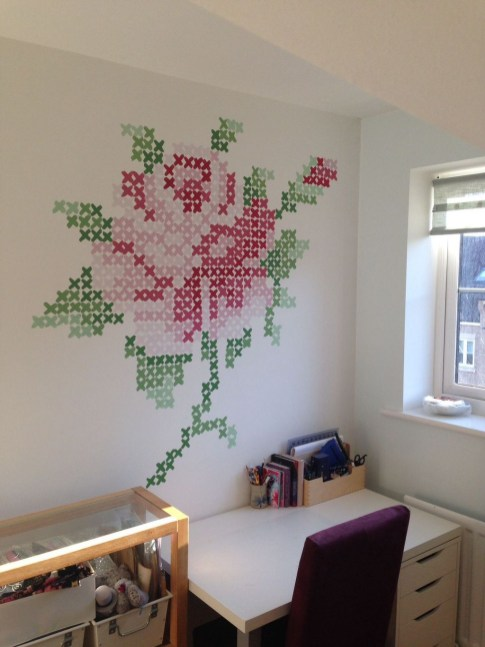 Fabulous Rose Wall Painting Design Ideas For You To Try In Home26