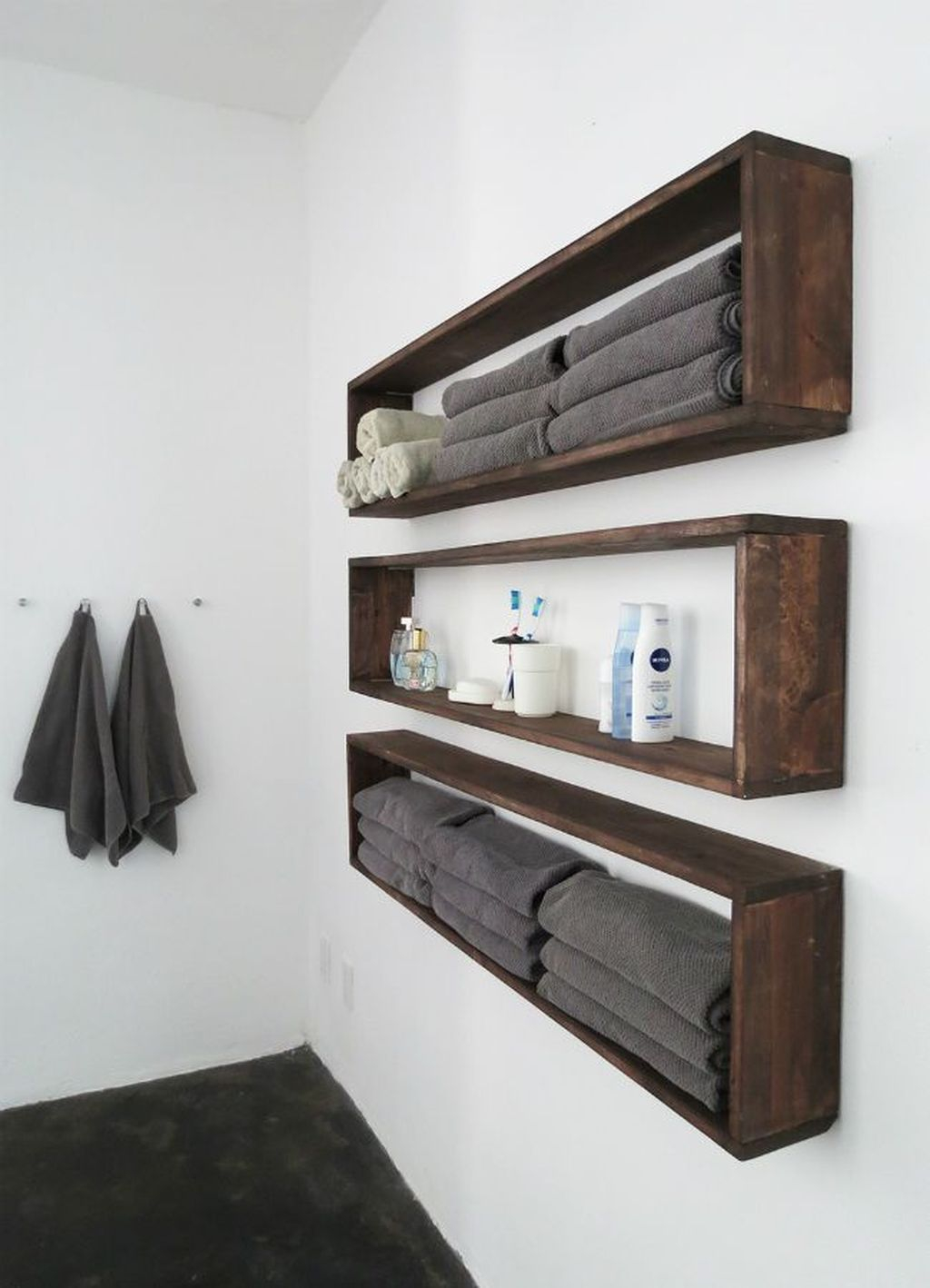 Interesting Floating Wall Shelves For Your Bathroom Style Ideas11