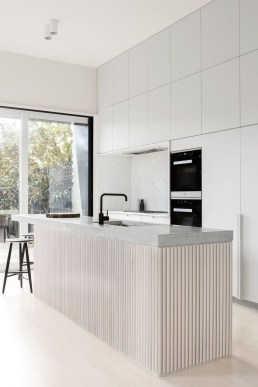 Modern Minimalist Kitchen Design Makes The House Look Elegant06