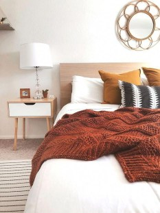 Simple Bedroom Decorating Ideas That Feel Spacious01