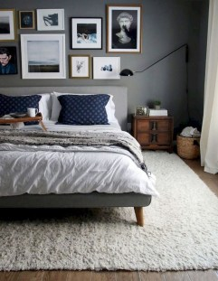 Simple Bedroom Decorating Ideas That Feel Spacious05