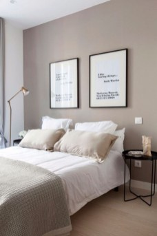 Simple Bedroom Decorating Ideas That Feel Spacious11