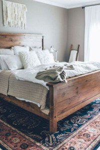 Simple Bedroom Decorating Ideas That Feel Spacious20