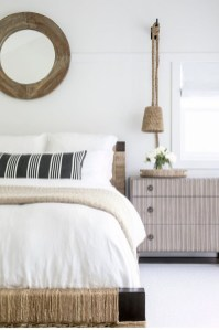 Simple Bedroom Decorating Ideas That Feel Spacious23
