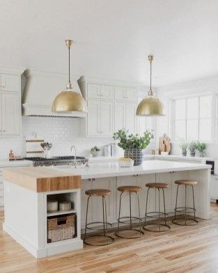 Adorable White Kitchen Design Ideas34