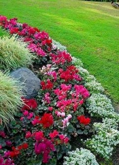 Beautiful Flower Beds Ideas For Home05
