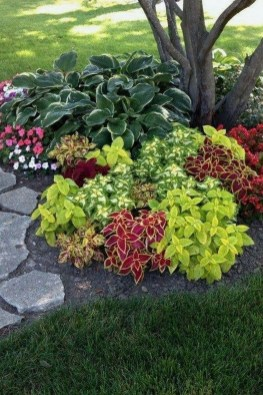 Beautiful Flower Beds Ideas For Home07