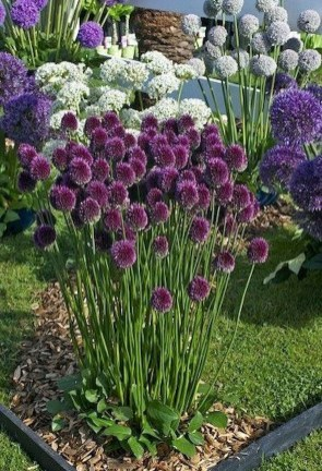 Beautiful Flower Beds Ideas For Home16