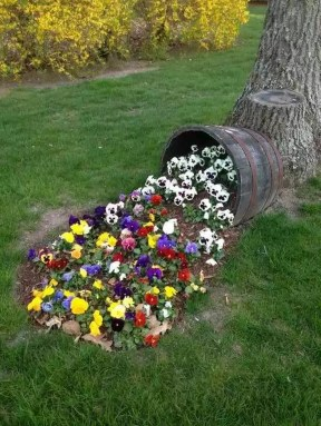Beautiful Flower Beds Ideas For Home44