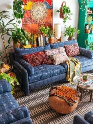 Charming Boho Living Room Decorating Ideas With Gypsy Style07
