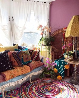 Charming Boho Living Room Decorating Ideas With Gypsy Style25