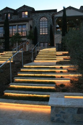 Cool Outdoor Lighting Ideas For Landscape06