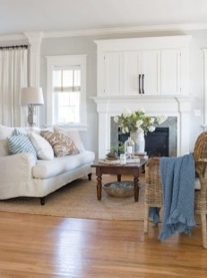Elegant Coastal Themed Living Room Decorating Ideas03