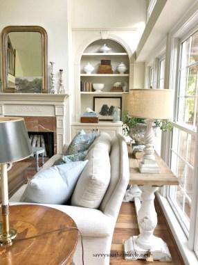 Elegant Coastal Themed Living Room Decorating Ideas08
