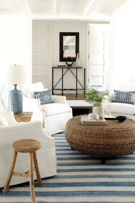 Elegant Coastal Themed Living Room Decorating Ideas18