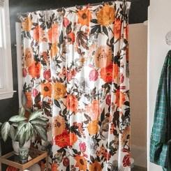 Fabulous Bathroom Design Ideas With Boho Curtains12