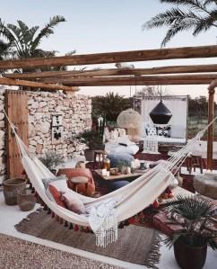 Inspiring Boho Outdoor Decorating Ideas For Backyard03