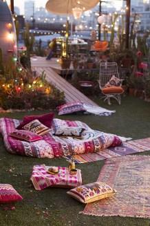Inspiring Boho Outdoor Decorating Ideas For Backyard38