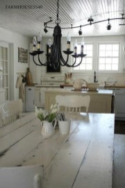 Pretty Farmhouse Table Design Ideas For Kitchen11