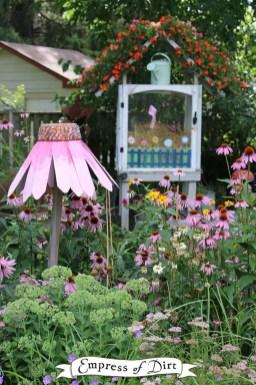 Unique Garden Decorating Ideas07