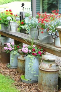 Unique Garden Decorating Ideas12