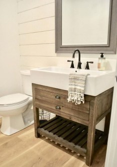 Vintage Farmhouse Bathroom Decor Design Ideas11