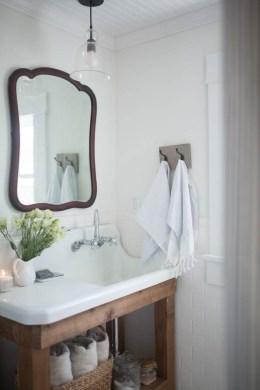 Vintage Farmhouse Bathroom Decor Design Ideas17
