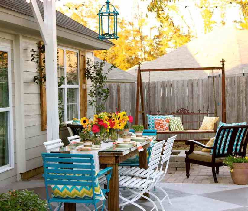 Backyard Patio with Pops of Color All Over