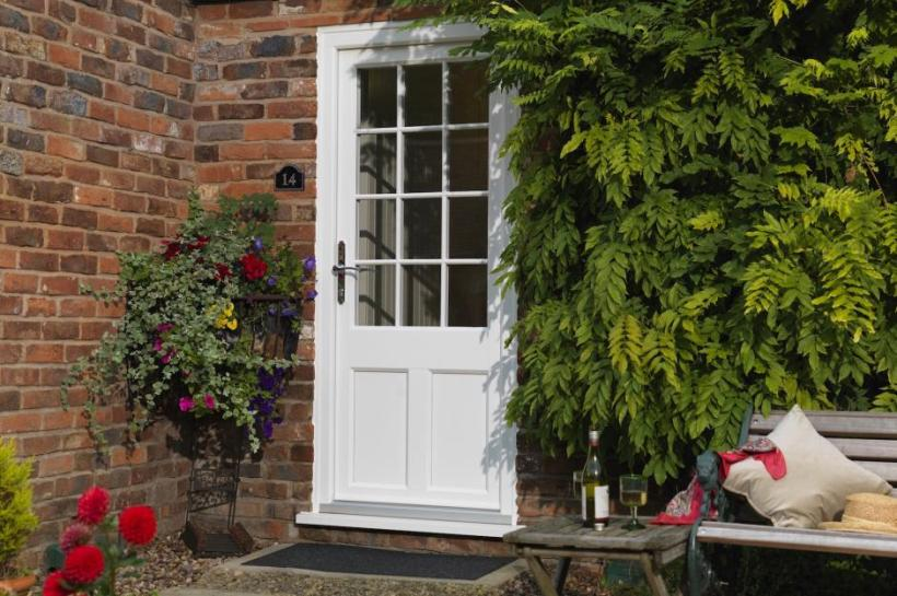 Georgian Front Door with Simple yet Elegant Look