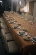 La table d'hôte.