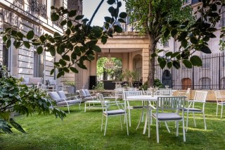 3. Le Jardin B Bar