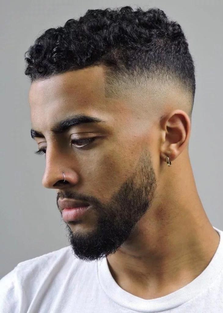 Coiffures Cheveux Bouclés pour Homme 46
