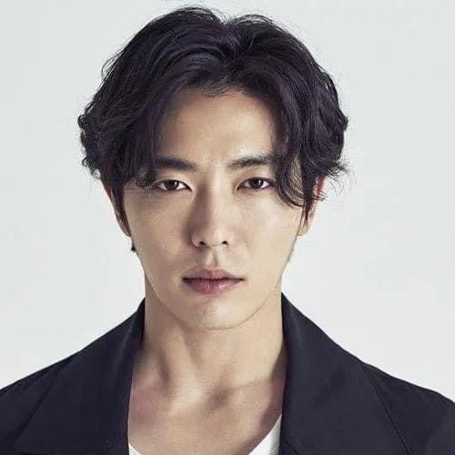 idées de coupes et coiffures pour Homme Asiatique 6