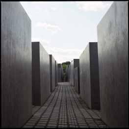 MISTERBLAD holocauste