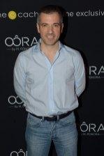 Bruno Putzulu en jean et chemise bleue