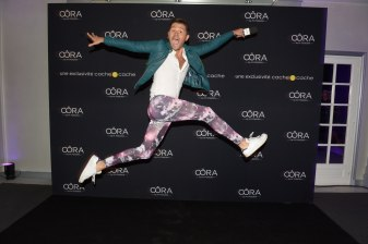 Christophe Beaugrand portant des vêtements de la collection Oôra