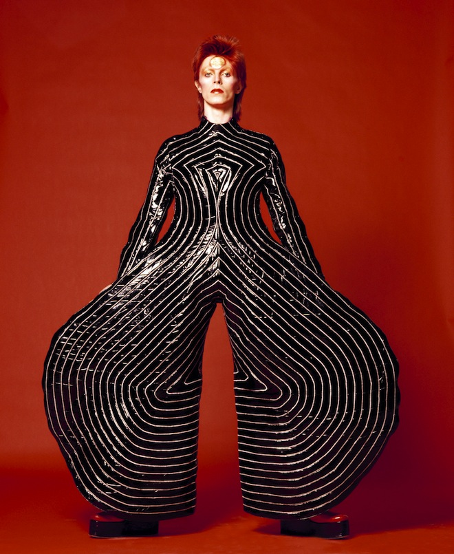 david bowie Striped_bodysuit_for_Aladdin_Sane_tour_1973_Design_by_Kansai_Yamamoto_Photograph_by_Masayoshi_Sukita__Sukita_The_David_Bowie_Archive_2012