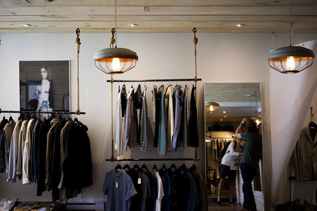 Se faire aider dans son shopping vêtements